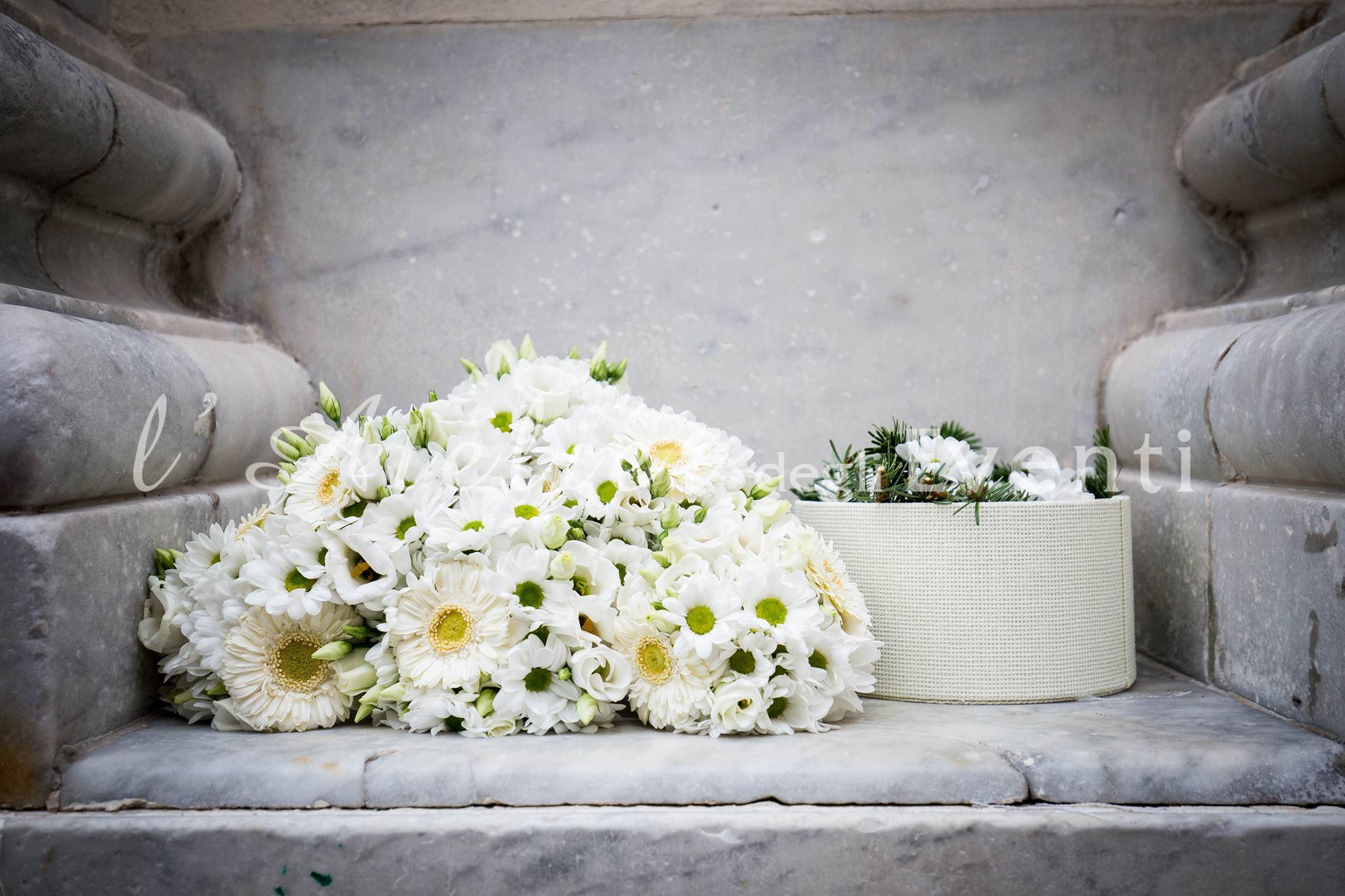 03_bouquet_damigelle_margherite_matrimonio_liguria_nozze_fiori
