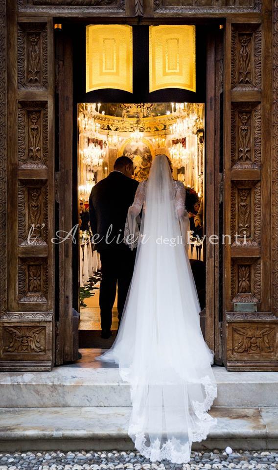 15_entrata_sposa_matrimonio_cerimonia_abito_pizzo_fotografia